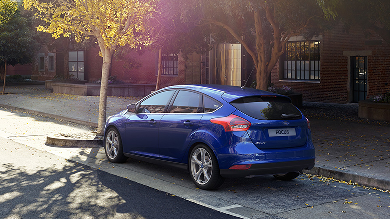 Ford Focus Hatchback 2016 arka