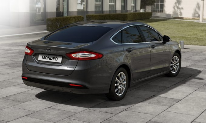 Ford Mondeo 2016 arka