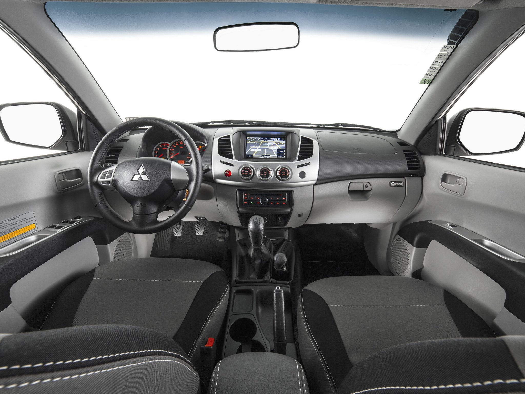 mitsubishi-l200-interior-wallpaper-6