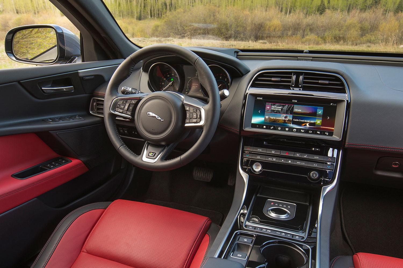 2017-jaguar-xe-drivers-1500x1000