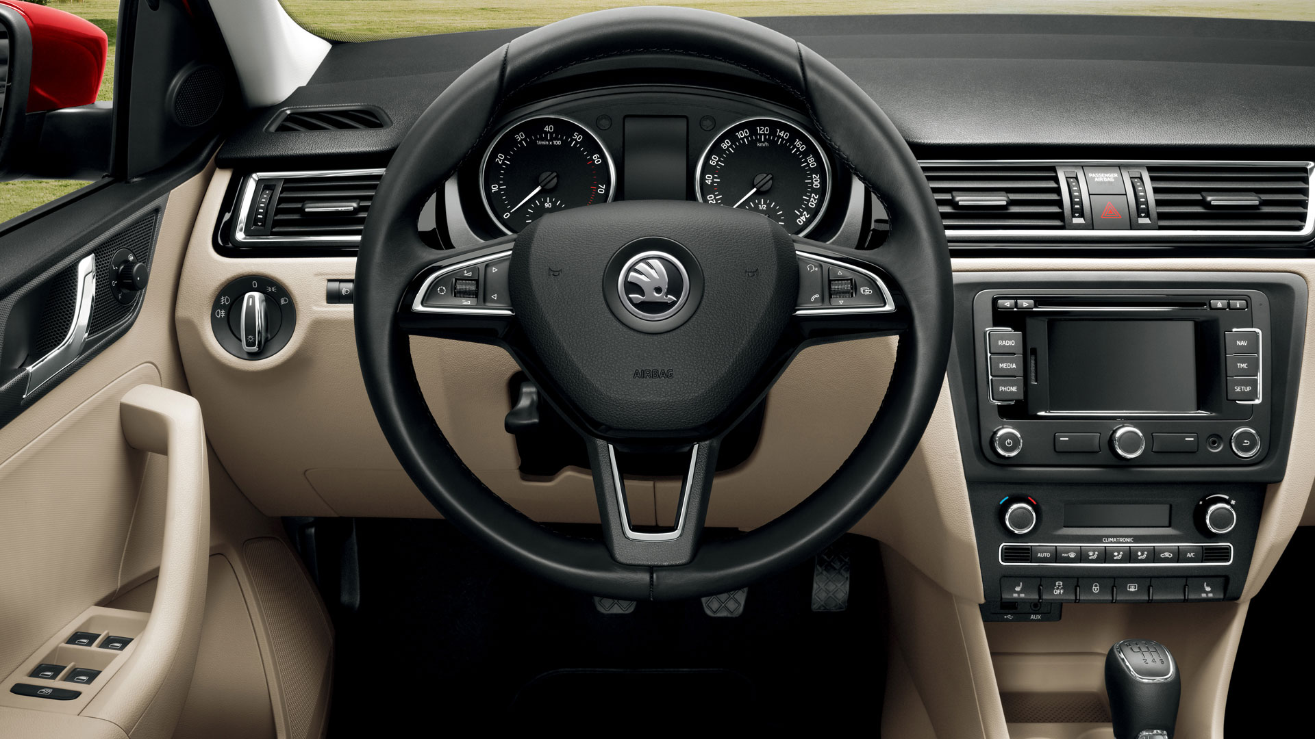 rapid-spaceback-i02-steering-wheel-01