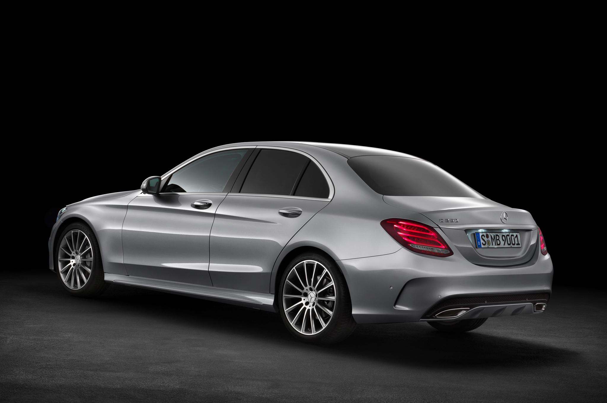 2015-Mercedes-Benz-C-Class-rear